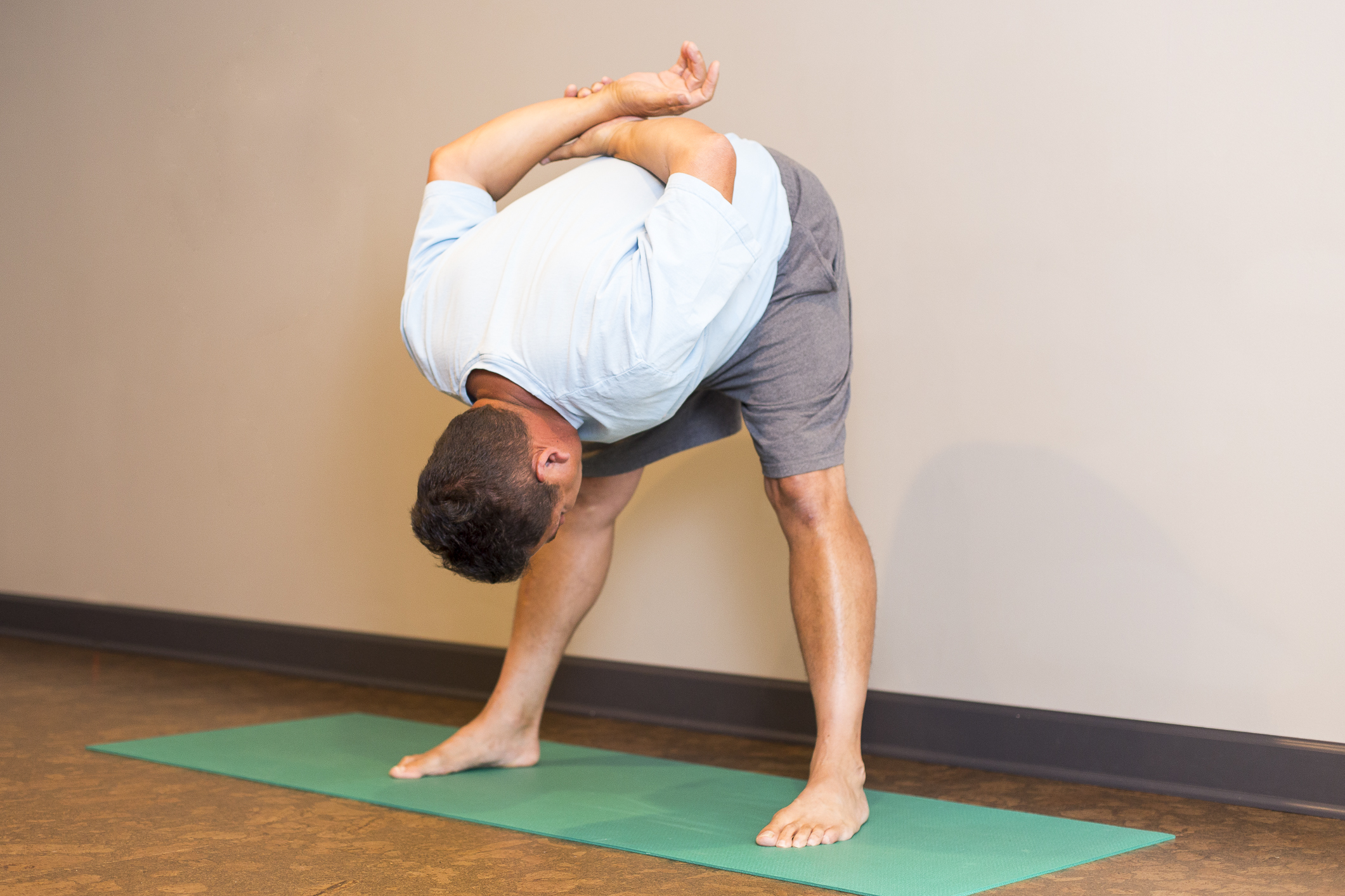 Yoga Poses For Arthritis Patients From Johns Hopkins Johns Hopkins Arthritis Center